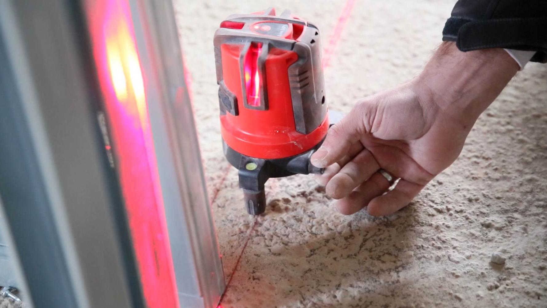 レーザー墨出し器選び方