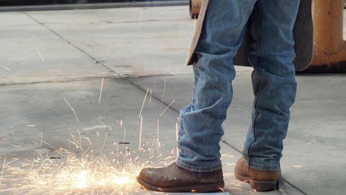 【溶接用 安全靴】溶接用安全靴のおすすめから選び方まで徹底解説