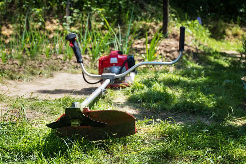 2サイクルエンジン式草刈り機イメージ